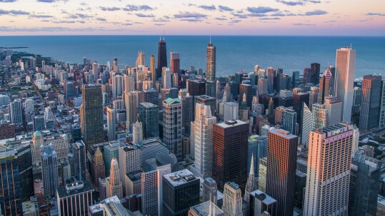 Chicago (Pedro Lastra on Unsplash)